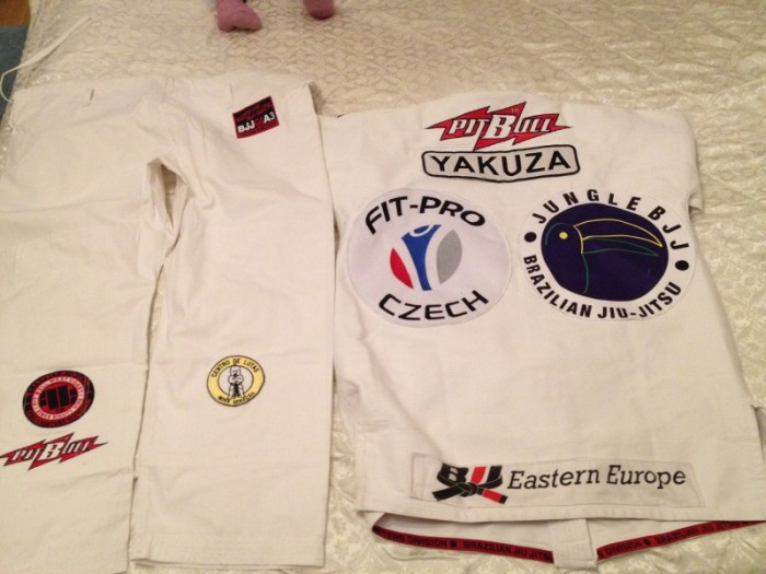 GI BJJ PitBull West Coast bílé